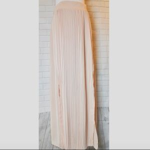 NEW Blush Pink Pleated Skirt Casual Couture Small